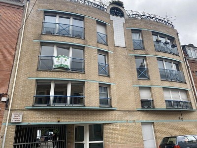 APPARTEMENT T2 A LOUER - LILLE ST MAURICE PELEVOISI - 40 m2 - 696 € charges comprises par mois