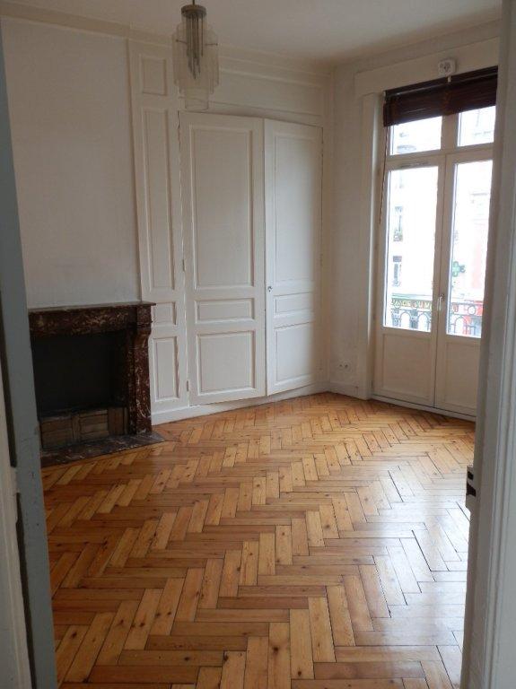 APPARTEMENT T3 A LOUER - LILLE GARES - 58,3 m2 - 891 € charges comprises par mois